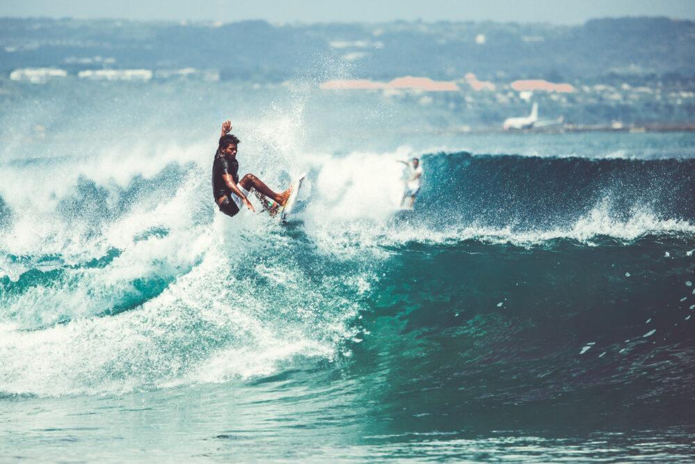 「サーフィン」はどんな競技?意外と知らない東京五輪の競技種目